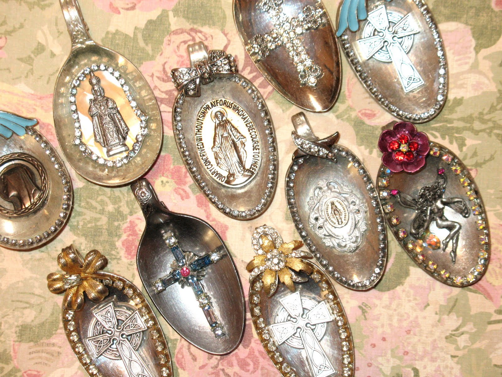 artsy fartsy spoon pendants