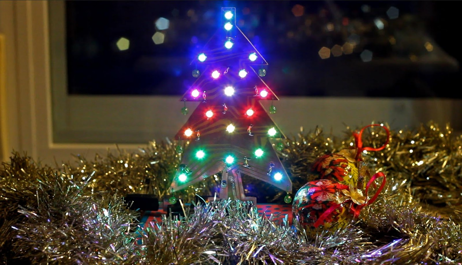 Arduino Xmas tree Shield with WS2812