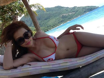 AJ Sachi Sexy Bikini Pictures