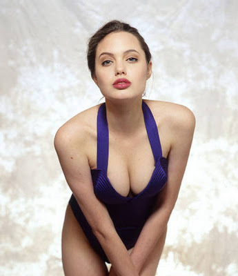 Angelina Jolie Clevage