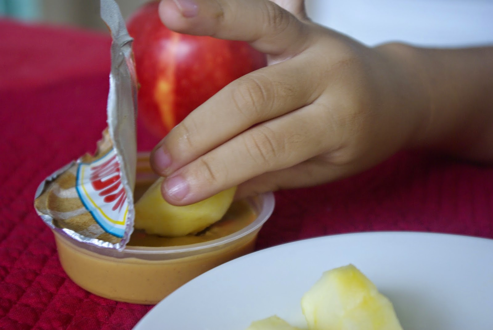 Dunk your fruits in the cup!