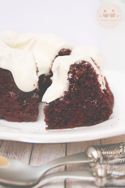 red-velvet-bundt-cake