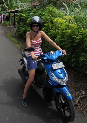 motorbike hire batu karas