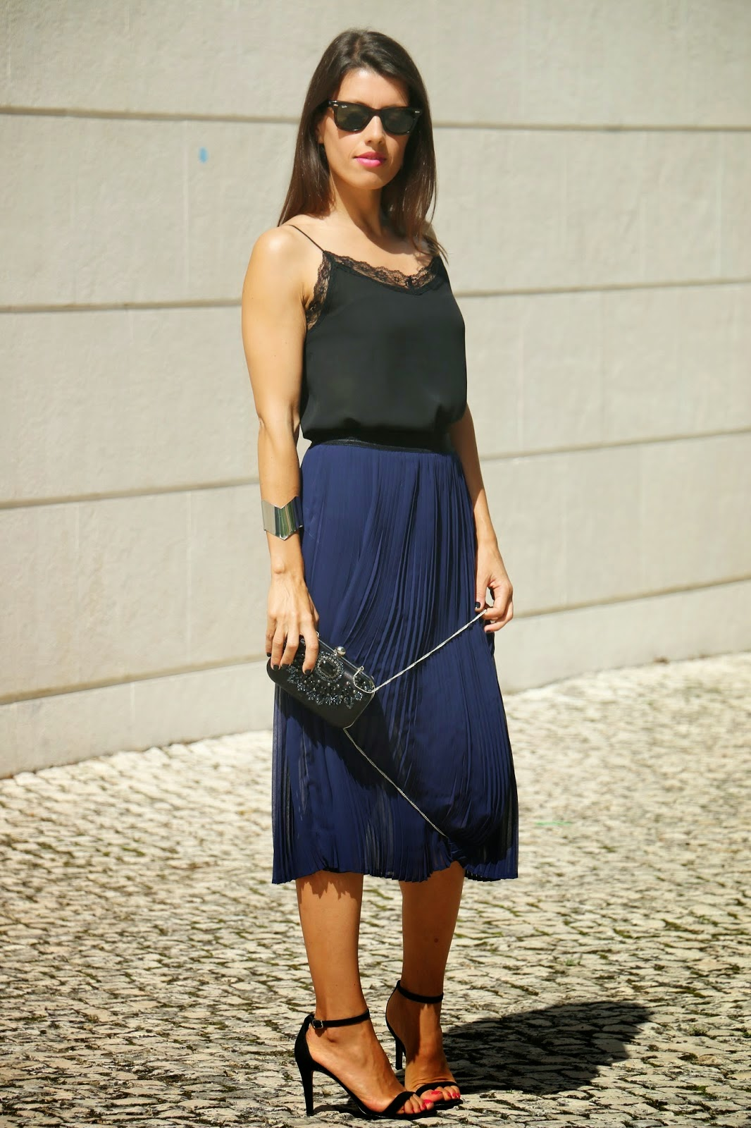 http://ilovefitametrica.blogspot.pt/2014/09/special-party-special-look.html