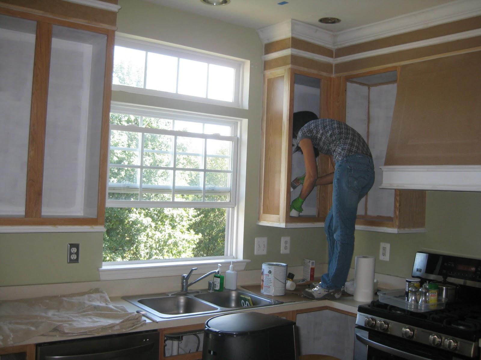 Como pintar los gabinetes de la cocina remodelando la casa - Que color puedo pintar mi casa ...