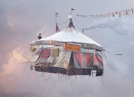 Flying Houses - Cirque  2012