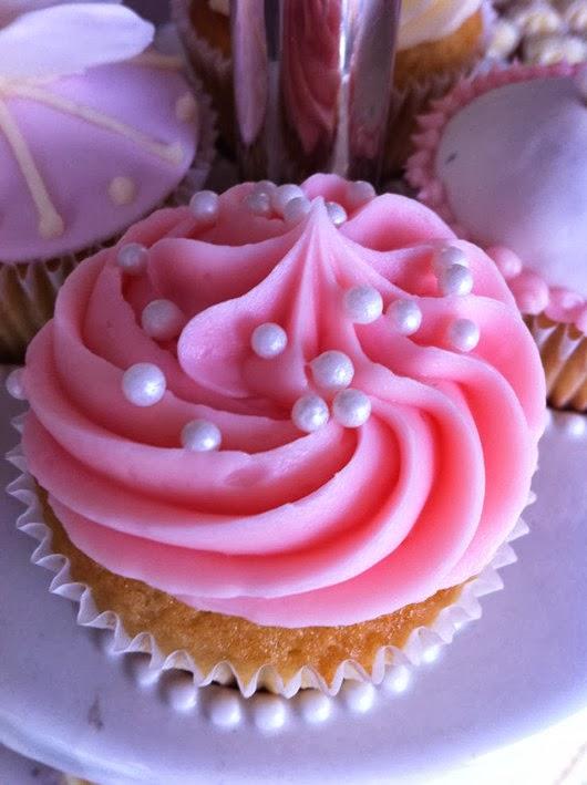 wedding food pink pearl wedding cupcakes