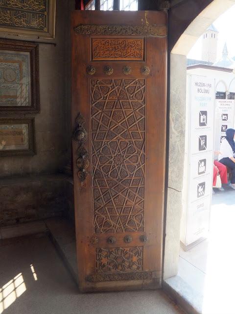 шикарная деревянная дверь