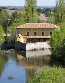 Vista del restaurante el Molino de  la Losa desde el Puente