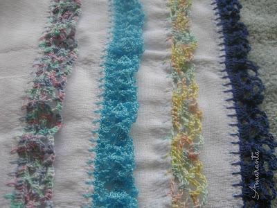 Pañitos con bordes tejidos