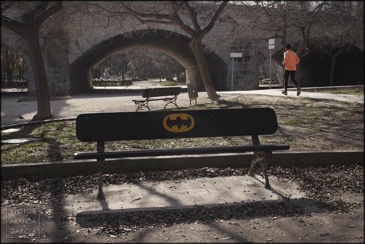 fotografia,valencia,banco,arriba_extraña,batman
