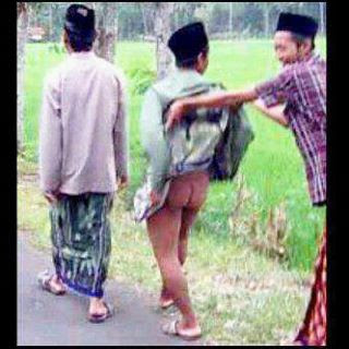 Kalo Gak Ngakak Liat Nih Foto Ane Berani Telan Upil Kebo [ www.BlogApaAja.com ]