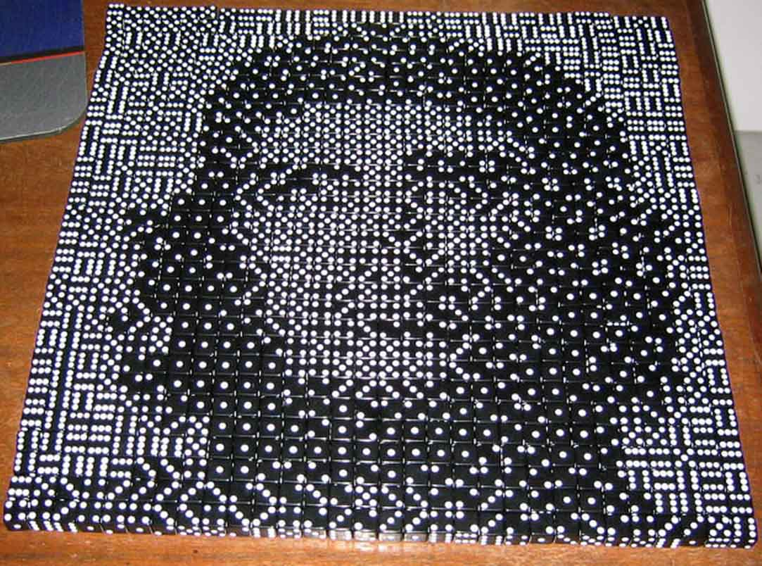 Korda image of Che Guevara shown in dice = done by Ari Krupnik