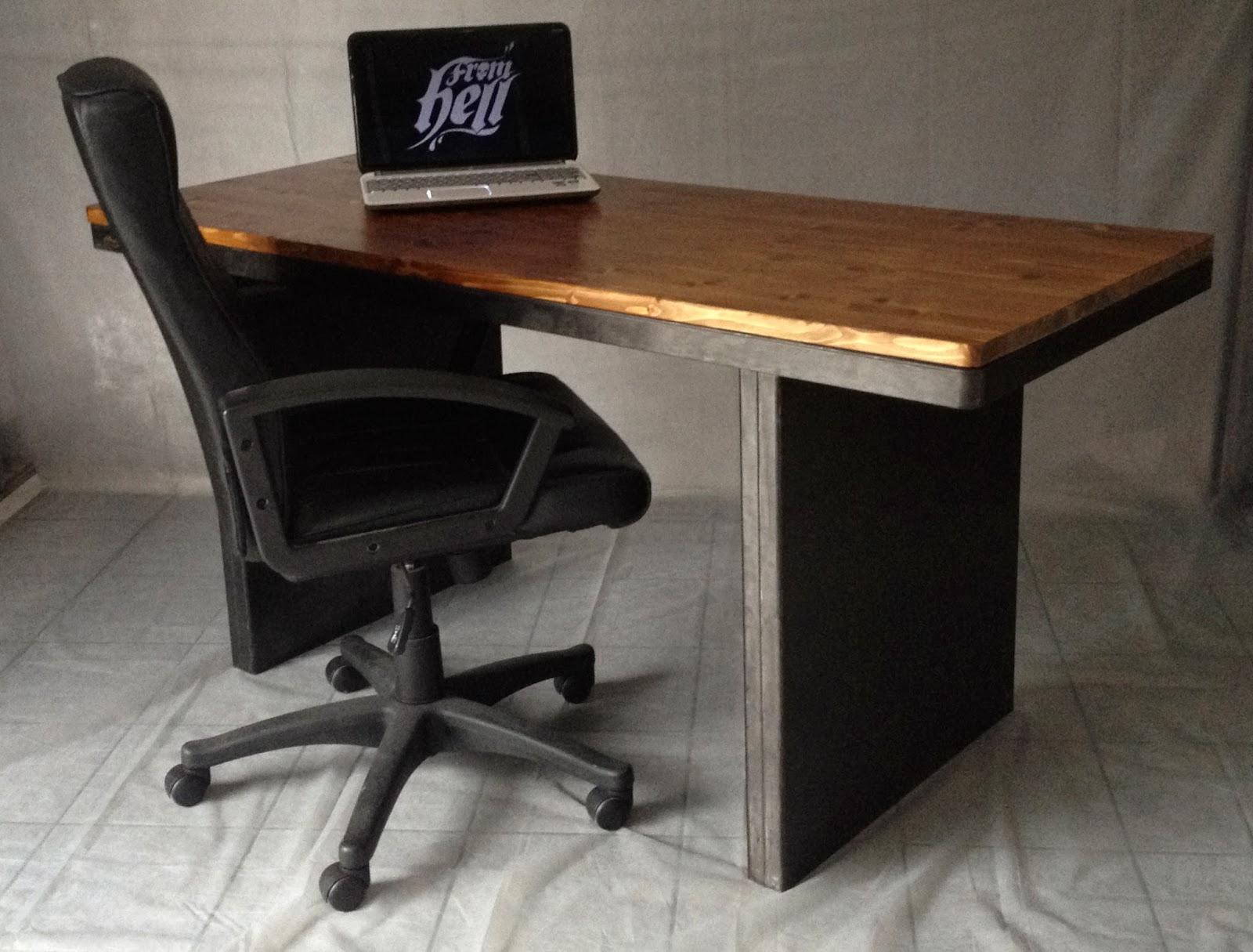 from hell bureau strafor. Black Bedroom Furniture Sets. Home Design Ideas