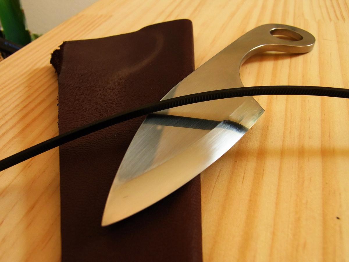 spacing out blog: アウトドア用のナイフ(小出刃)をつ...  アウトドア用のナ