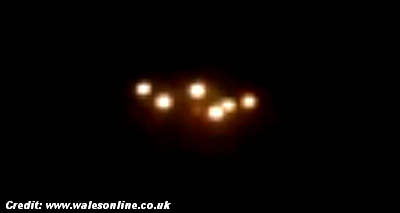 Passenger Films 'Mysterious Lights' Beside His Plane As He Flies Into Cardiff (UK) 9-16-14
