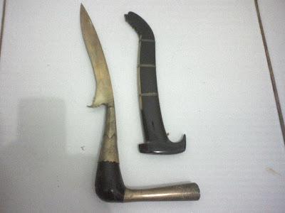 Foto foto Senjata Khas adat  Indonesia