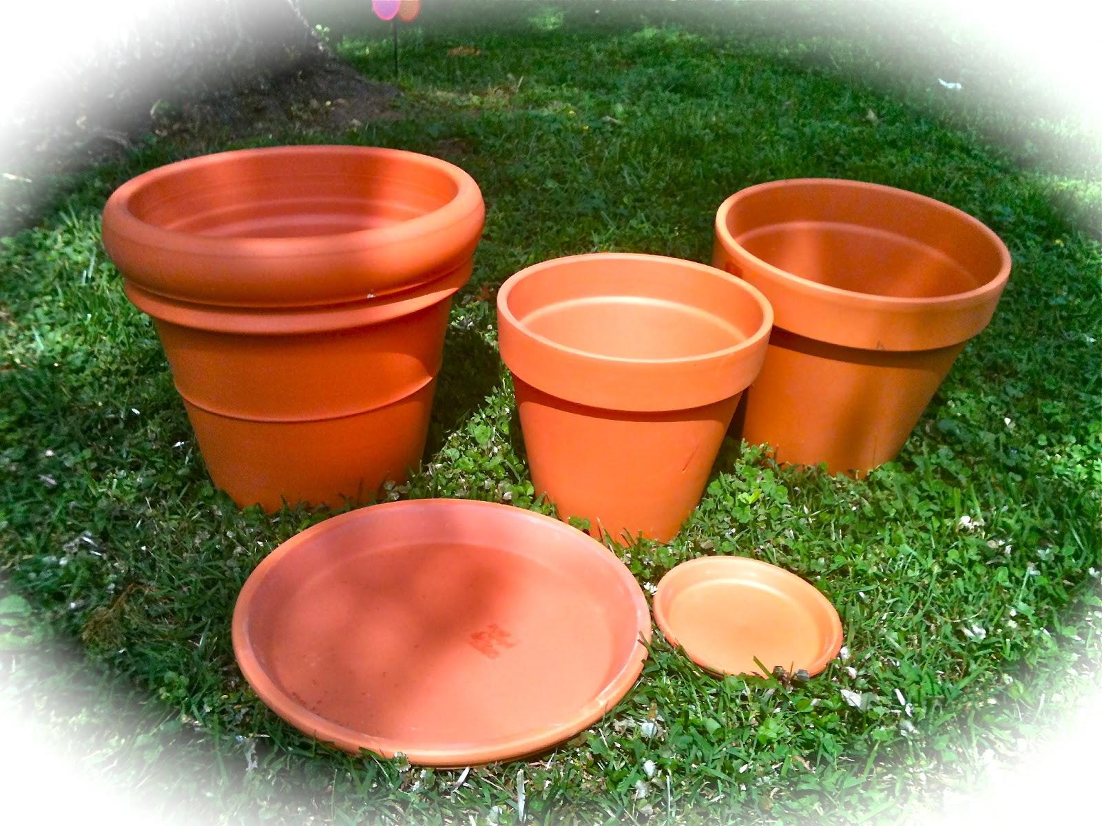 everyday donna how to make a birdbath from terra cotta pots. Black Bedroom Furniture Sets. Home Design Ideas