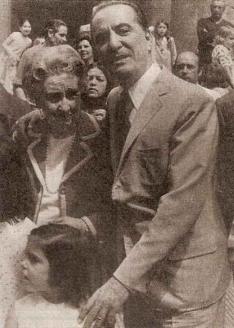 foto imagen junto a su madre