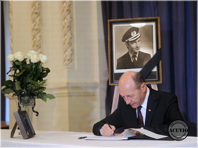 Funny Traian Băsescu Neliniştit
