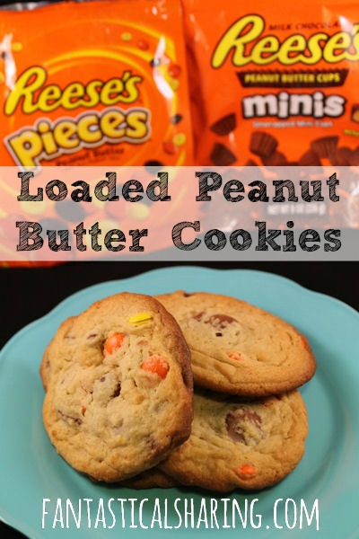 Loaded Peanut Butter Cookies | Classic peanut butter #cookies taken to the EXTREME!! #Reeses