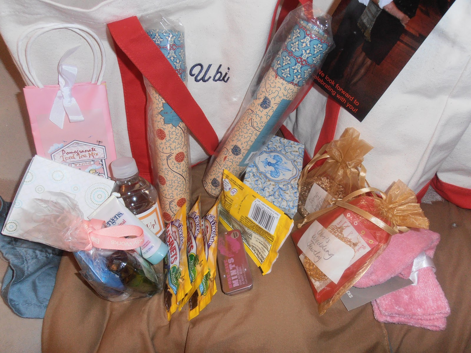 : Wedding and Bridal Party Gift Bags: Thank You Gifts for our Parents ...