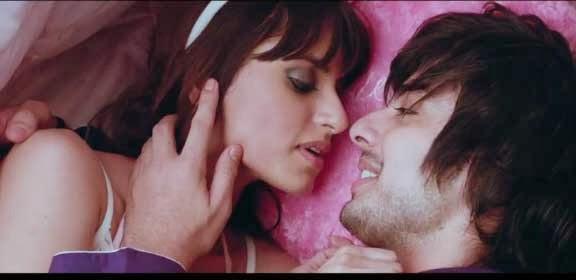 Yaariyan Trailer - Himansh Kohli, Nicole Faria