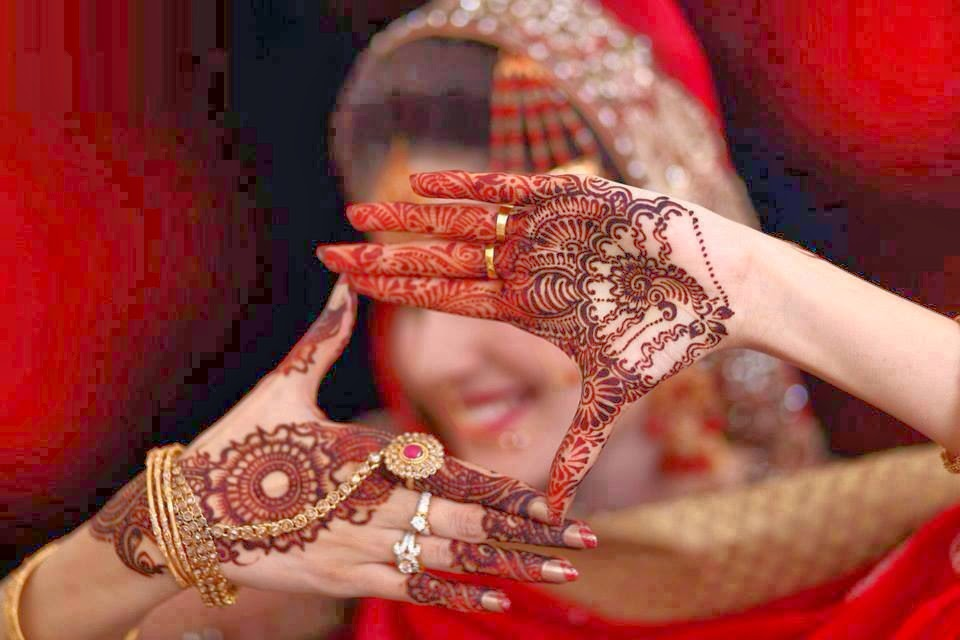 http://funkidos.com/fashion-style/beautiful-mehndi-designs-16-pictures