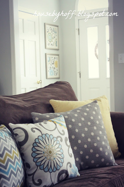 how to make DIY fabric wall art via housebyhoff.com