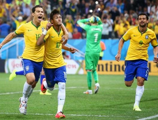 Neymar (Brasil) rayakan gol - Piala Dunia 2014 Brasil - Kroasia (2014.06.13.wib)