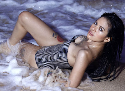Nikita mirzani foto hot bugil telanjang