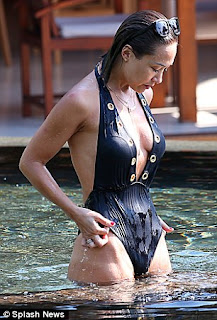 Myleene Klass Seriously Sexy wet derriere plunging swimsuit (1).jpg