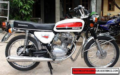 Diatas adalah gambar Honda CB 100 1975 modif minimalis dari Jakarta ...