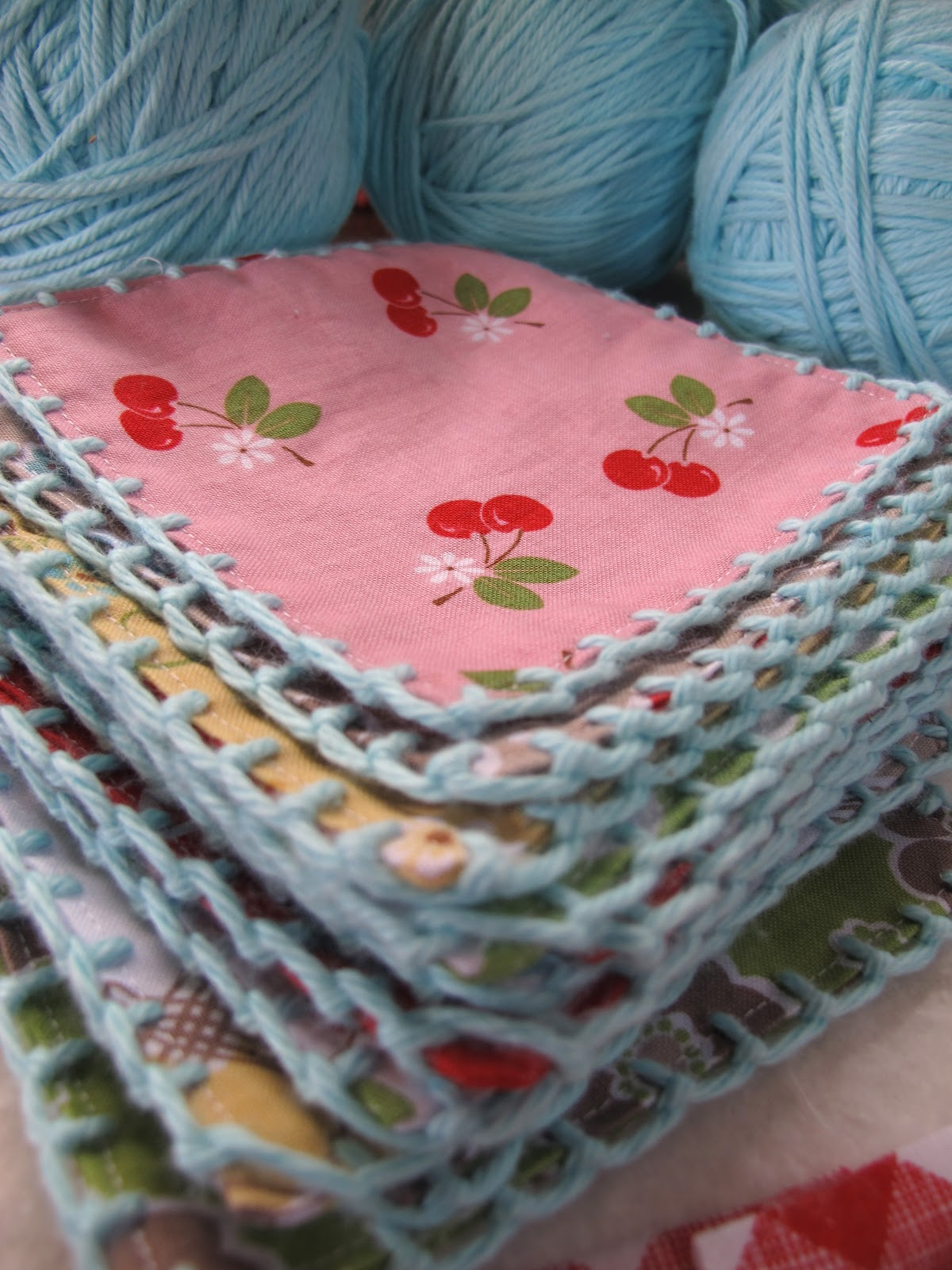 Crochet Quilt Squares : You know that I love to add crochet edgings on several of my fabric ...