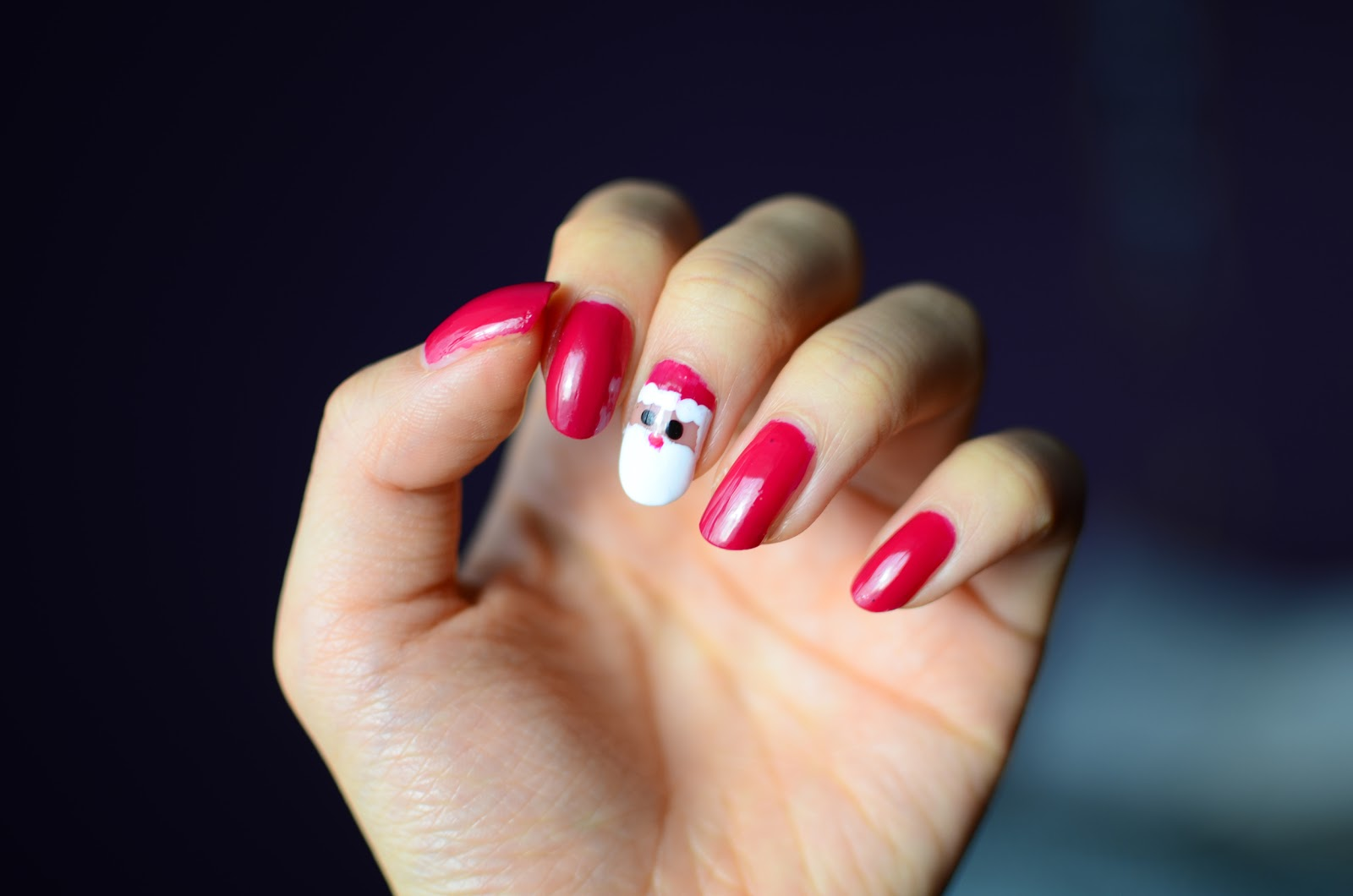FUN SIZE BEAUTY: Santa Holiday Nail Art