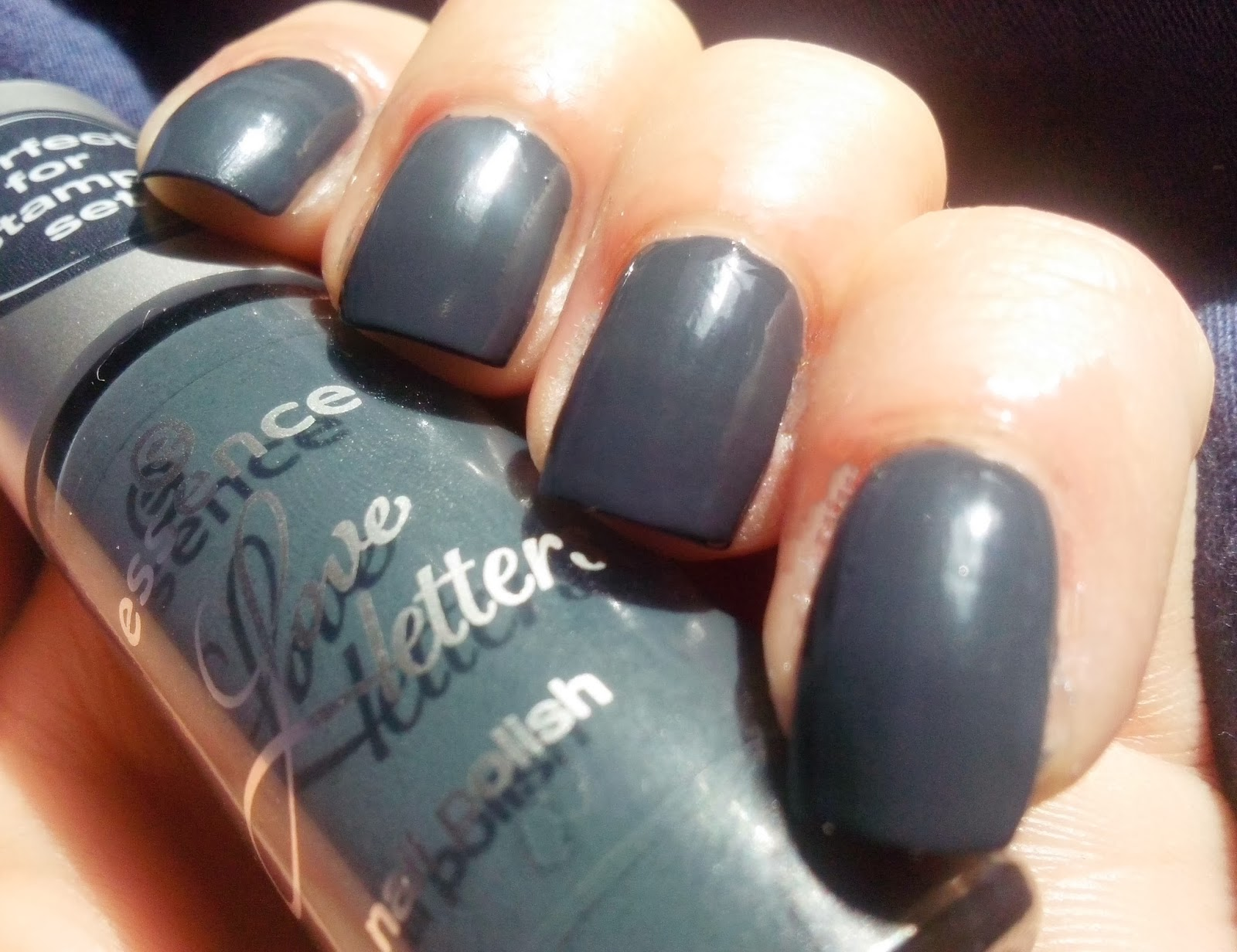 Colour On My Nails Review Essence Love Letters Stampy Set And
