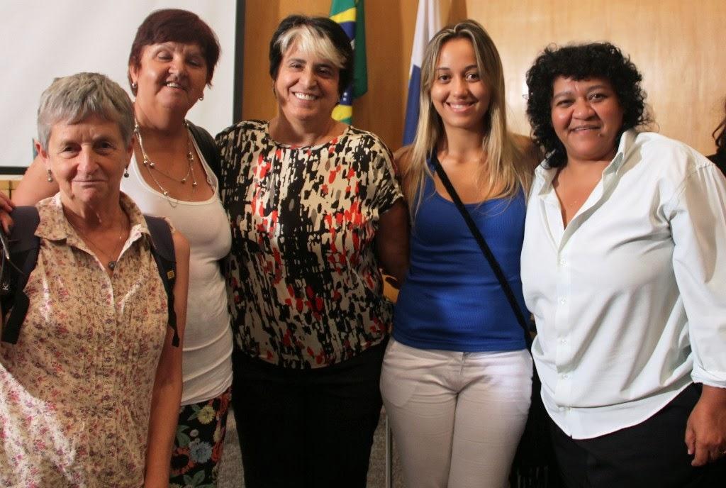 Comissão de Teresópolis no lançamento da Frente Parlamentar em Defesa da Economia Solidária: Ana Litardo, Dilce de Barros, deputada Inês Pandeló, Verônica de Oliveira e Rosayni Batalha