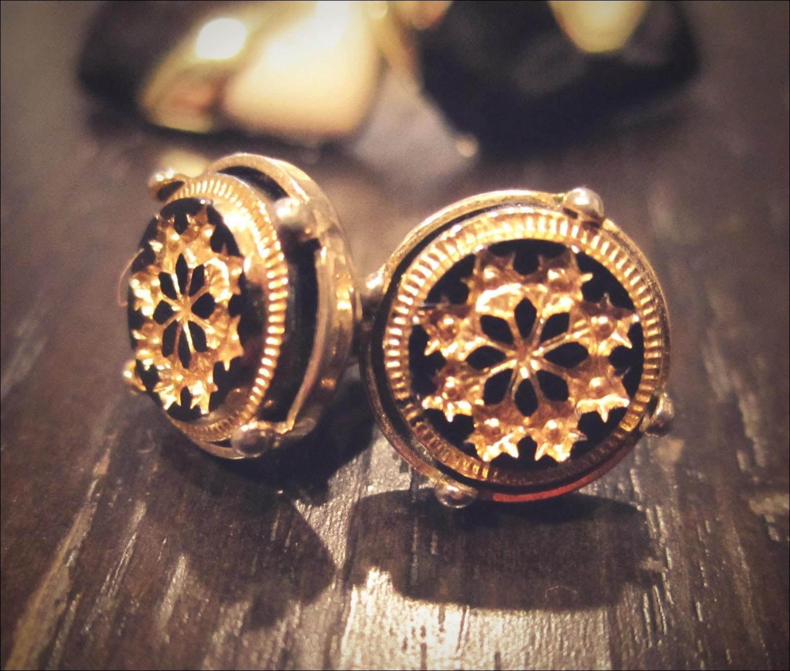 hocuskocis thrifted gold jewelry