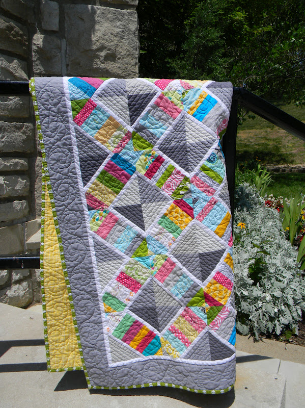 Teaginny designs trellis quilt for Garden trellis designs quilt patterns