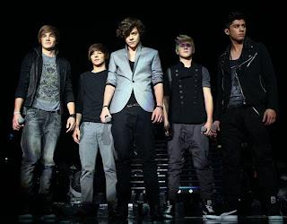 chord gitar One Direction Kiss You