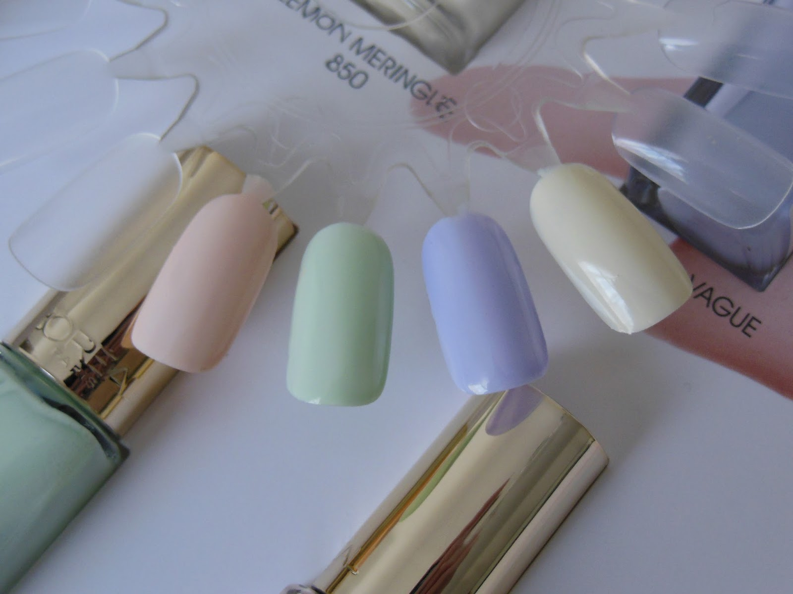 Loreal les blancs nail polish swatches