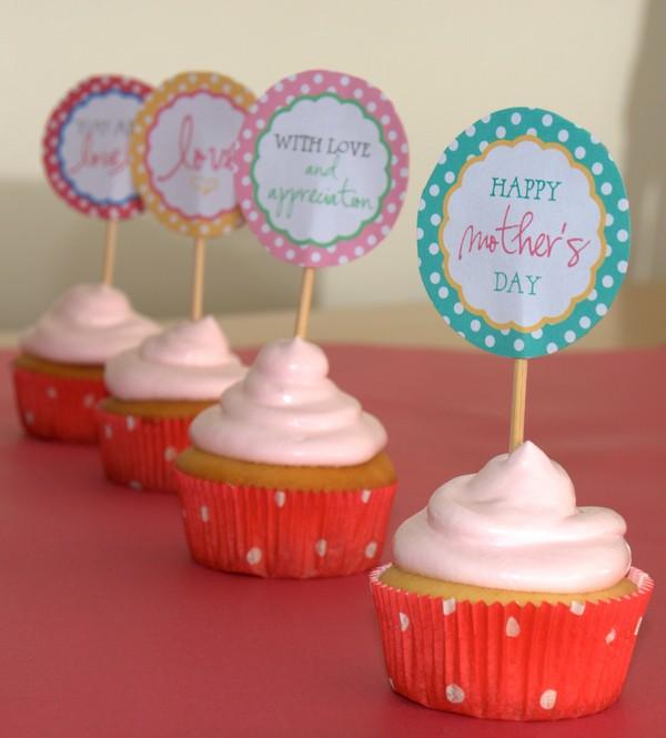 Cupcakes de limão com creme rosa