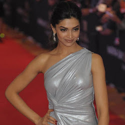 Deepika Padukone at Zee Cine Awards 2011