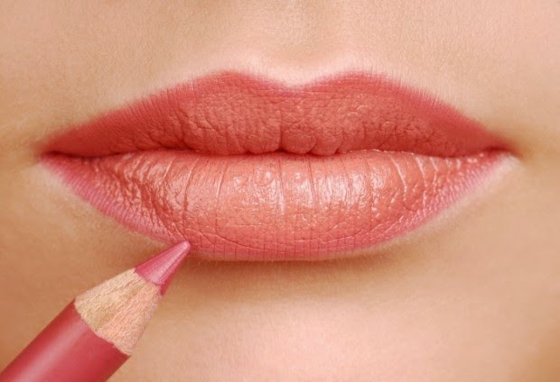 dicas e truques para delinear lábios