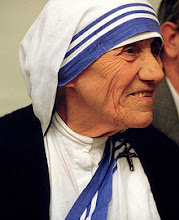 MOTHER TERESA - NUN & MISSIONARY (1910-1997)