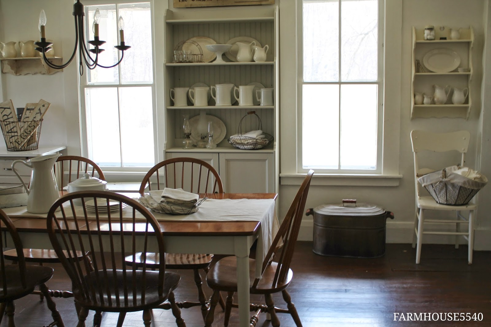 FARMHOUSE 5540 Dining Room