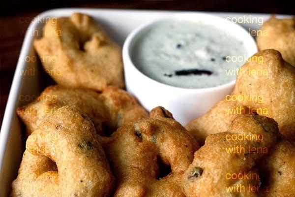 http://cookingwithlena.blogspot.com/2013/11/uzhunnu-vada-medhu-vadai.html