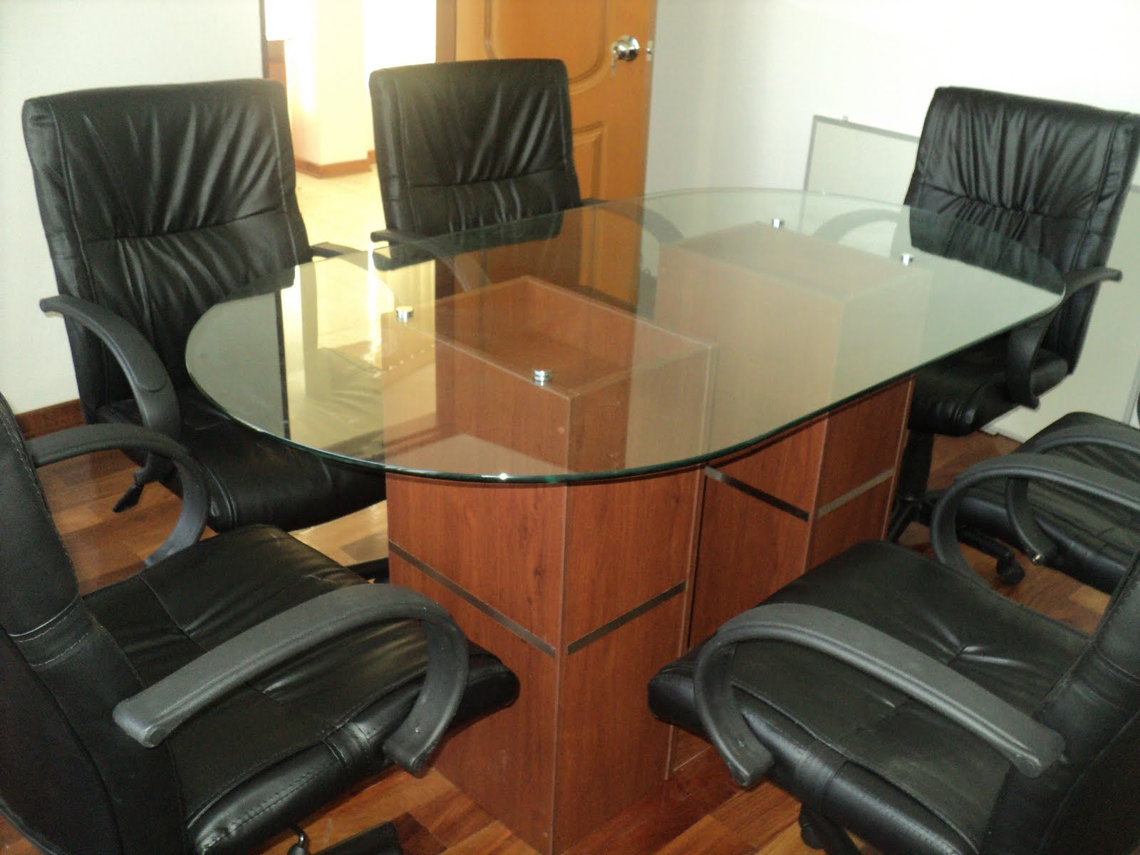 E y g proyectos integrales muebles en melamina aluminio for Suministro de oficina