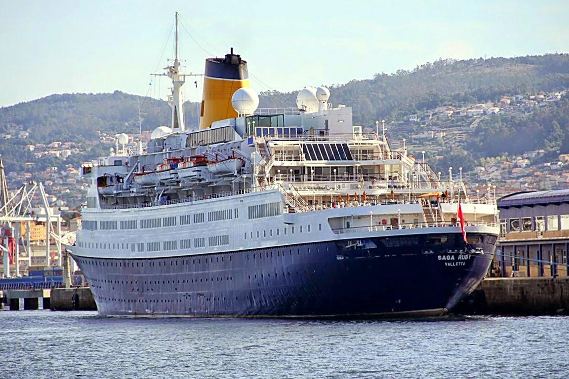 Fotos y videos de buques en vigo el puerto de - Puerto de vigo cruceros ...