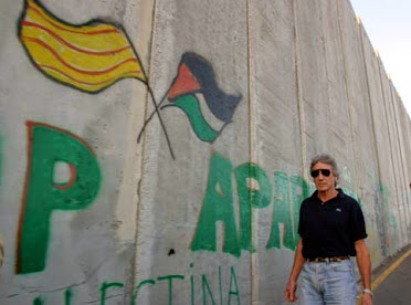 VIDEO. ROGER WATERS DEI PINK FLOYD: WE SHALL OVERCOME (SONG FOR GAZA).